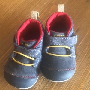 NWT Stride Rite boys Velcro size 3 shoes